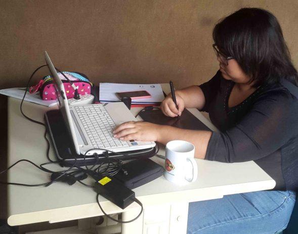 Risa, estudiante de diseño